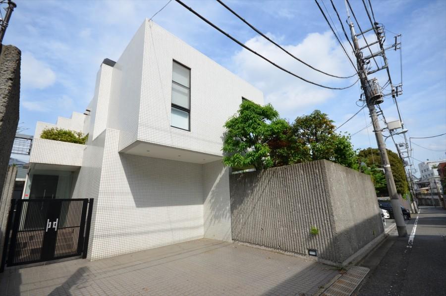 Nanpeidai House