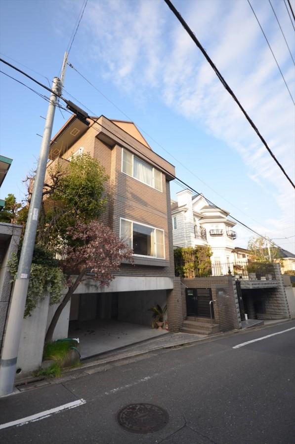 Kakinokizaka 1chome House